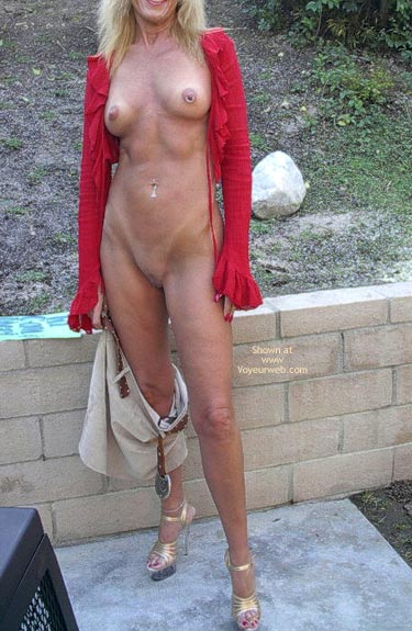 Pic #2 - My 48 Yr Old Hottie Dee