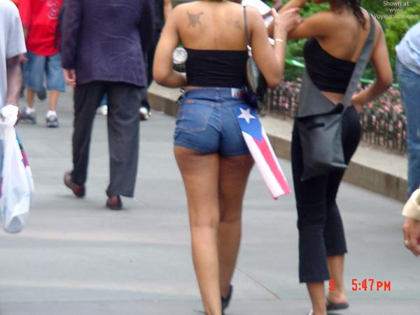 Pic #4 - Puerto Rican Day Parade '02