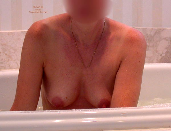 Pic #1 - Clarissa In The Tub 1