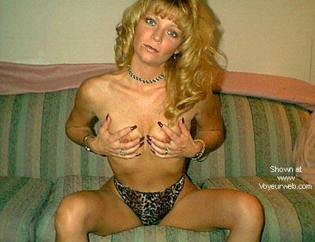 Pic #6 - sexy thong lady