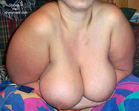 Pic #4 - full figure boobs