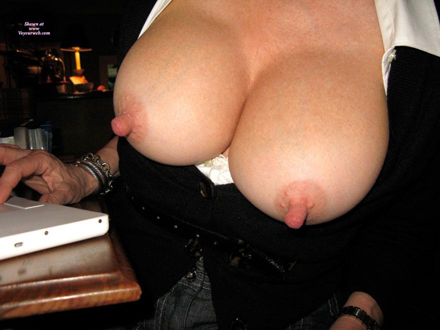 Торчащие соски секс фото 53993 фотография
