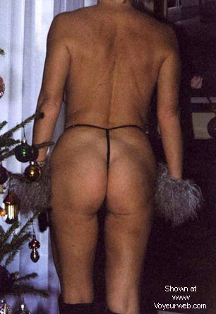 Pic #8 - NAKED IN STRING MICROPANTIES (NEW ENTRY, II).