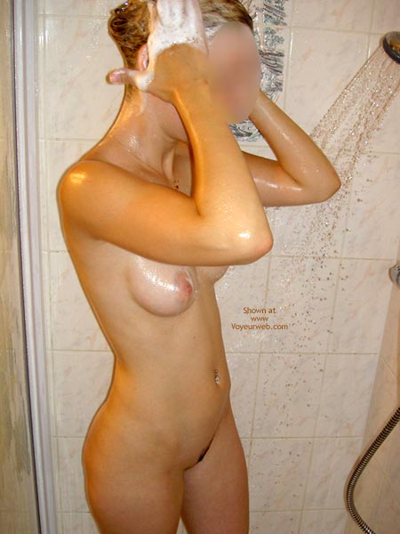 Pic #6 - Jessica Dans Sa Douche