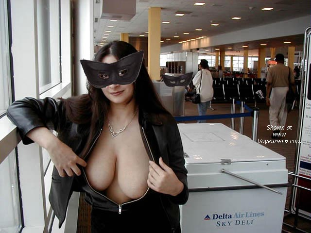 Pic #3 - MB! Elizabeth at the Airport, Part 2.