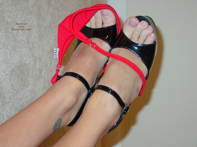 Pic #5 - Summergirl : My Red Bikini Poses