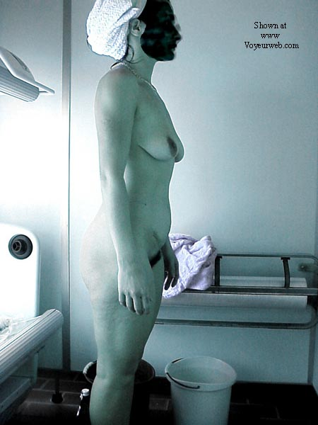 Pic #3 - Lisa in the tanning room