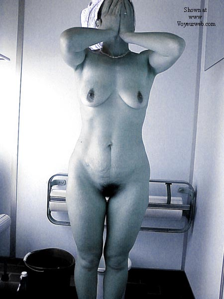 Pic #5 - Lisa in the tanning room