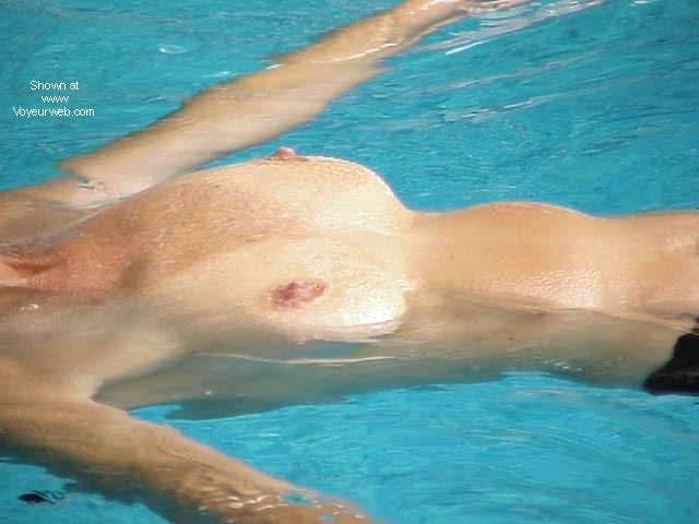 Pic #1 - Long Legs Takes a Swim