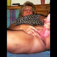 Nasty Calif Wife Loves To Show It!