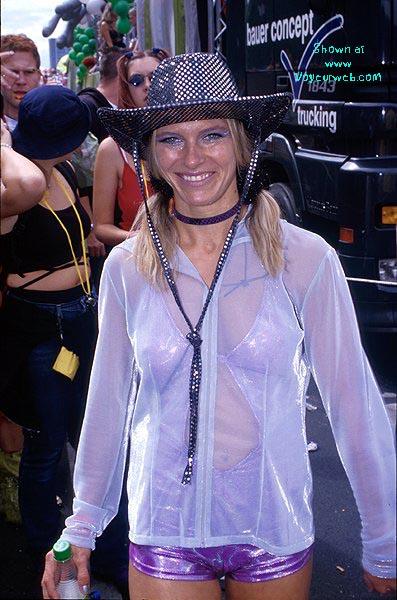 Pic #8 - Loveparade 2000 Part 6