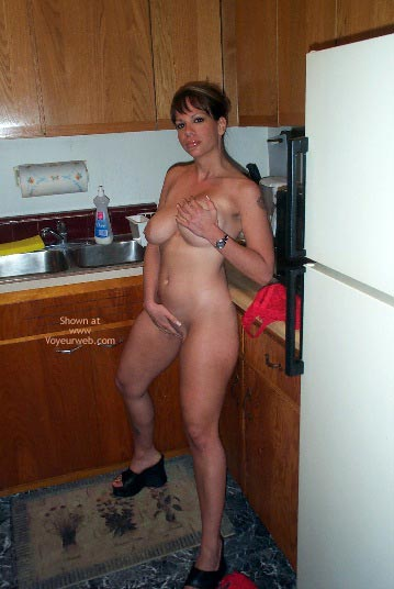 Pic #7 - Nicole In The Kitchen