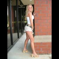 Taylor Blonde Ambition
