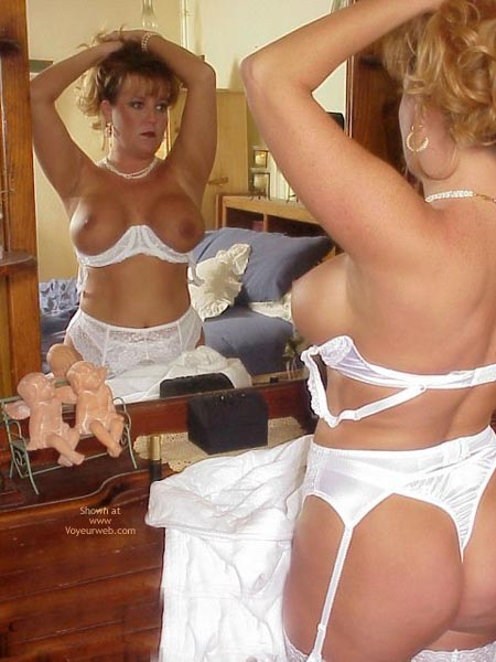 Pic #7 - Mirror Play!