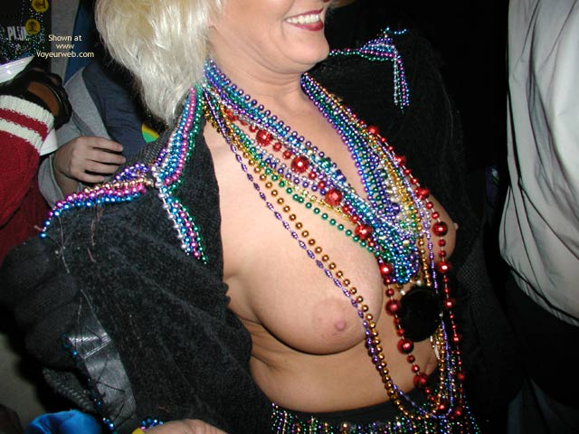 Pic #8 - Stlouisfungirlmeetsflashinggal At Fat Tuesday