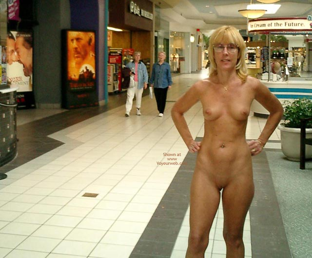 Pic #1 - Unaware Audience - Glasses, Nude In Public, Shaved Pussy , Unaware Audience, Nude In Public, Glasses, Fully Eip, Totally Nude  Shaved Pussy, Nude In Mall With Shocked Observers