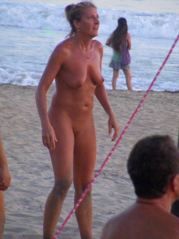 beach volleyball nude
