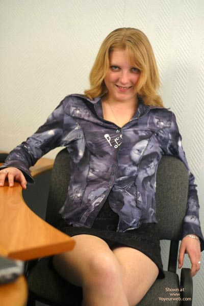 Pic #1 - Sex In Office