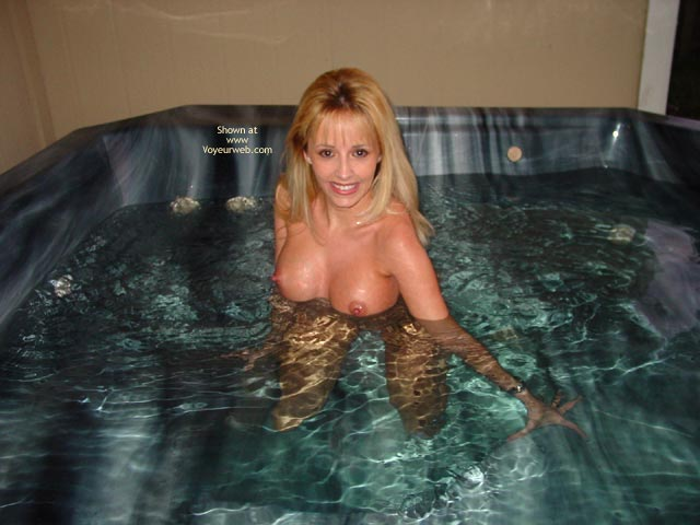 Pic #8 - Summergirl- Hot Tub Party