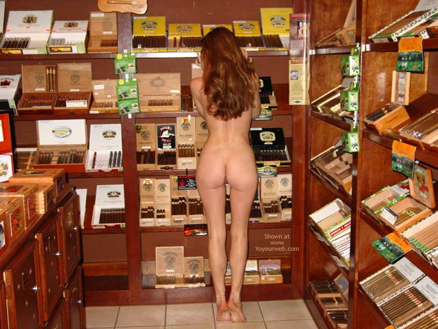 Pic #4 - Cigar Shopping!