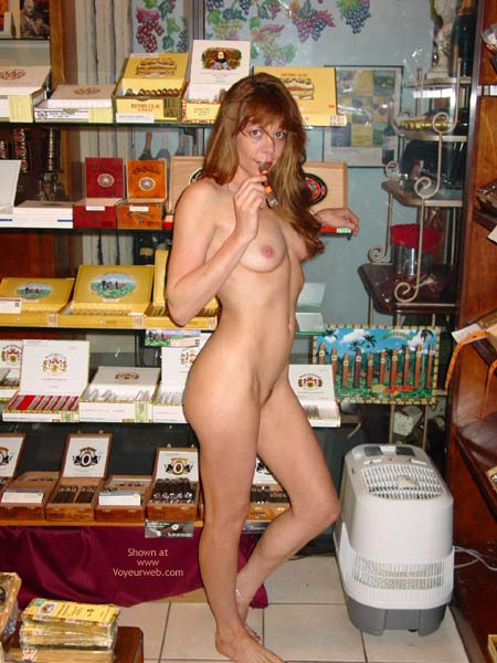 Pic #5 - Cigar Shopping!