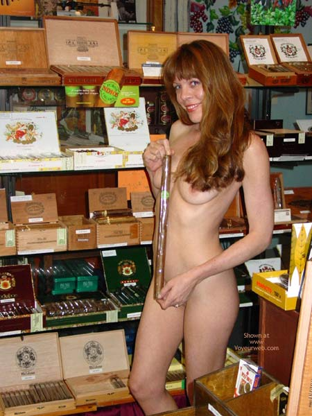 Pic #8 - Cigar Shopping!