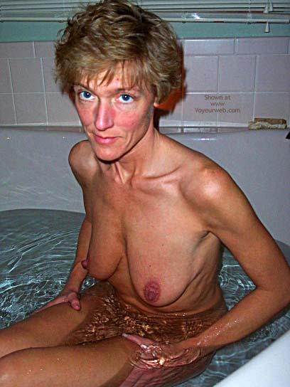 Pic #5 - E In The Tub Ii