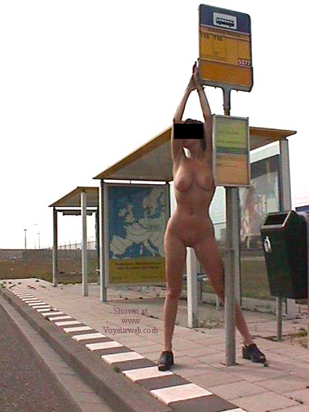 Pic #9 - Anouk is waiting for the bus...............