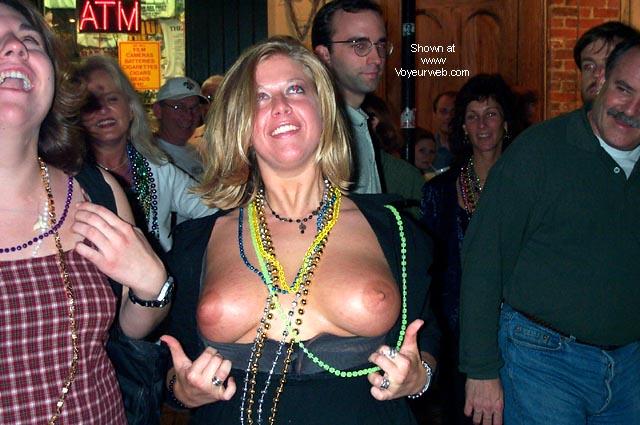 Pic #3 - gorgeous girls at mardi gras 2000