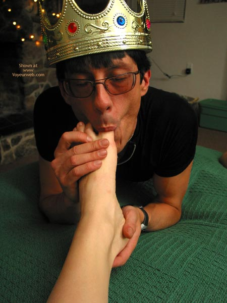 Pic #4 - Leila The Sex Fairy Gets A Foot Job