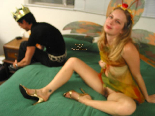 Pic #8 - Leila The Sex Fairy Gets A Foot Job