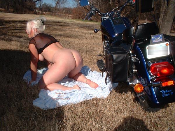 Pic #4 - Biker Babe Tammy