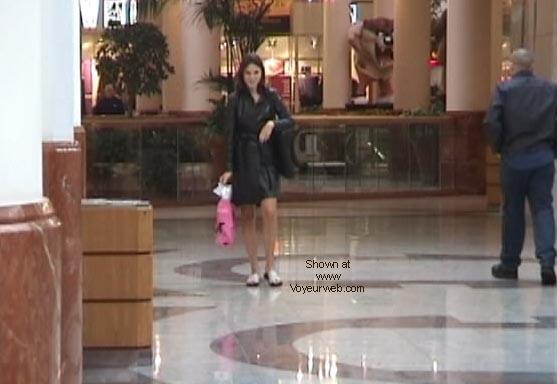 Pic #3 - Demi's Final shopping NIPS