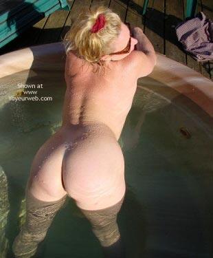 Pic #3 - Ashley Tubs It !