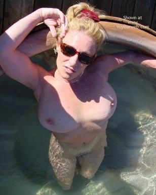 Pic #7 - Ashley Tubs It !