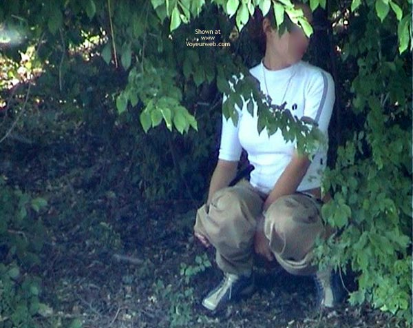 Pic #4 - Shaved Pussy Make Pee In Forest