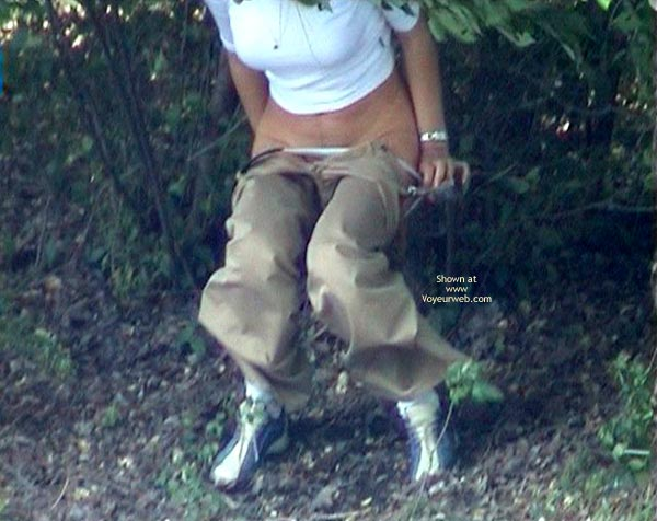 Pic #5 - Shaved Pussy Make Pee In Forest