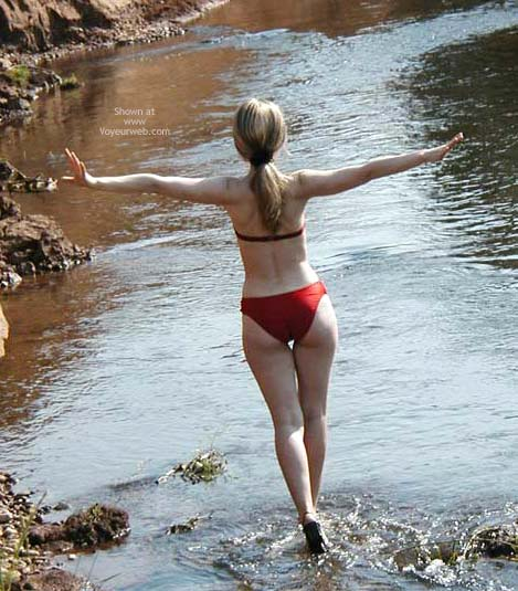 Pic #4 - Striptease On The River