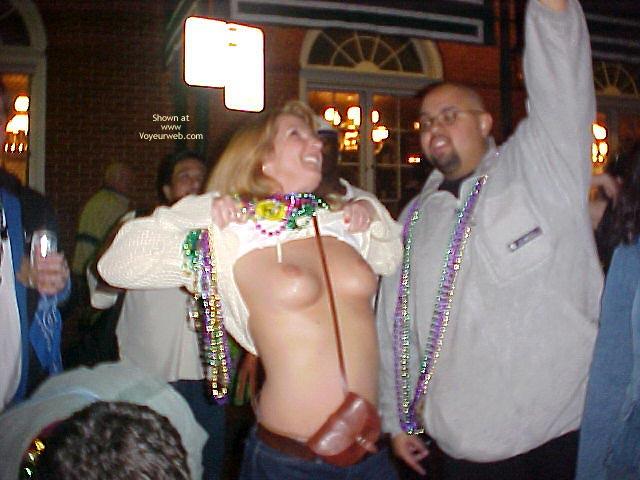 Pic #4 - Mardi Gras Flashing
