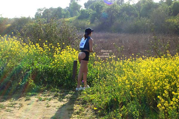 Pic #4 - Cindy'S Bare Ass Banned From Local Marathon!
