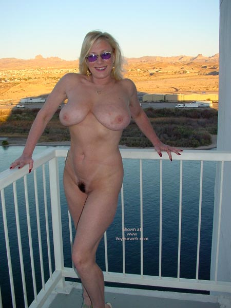 Pic #5 - Nude On The Top Floor