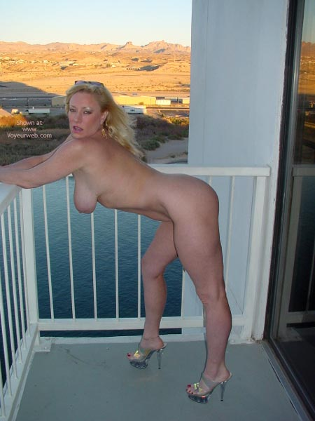 Pic #7 - Nude On The Top Floor