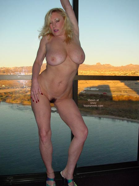 Pic #9 - Nude On The Top Floor