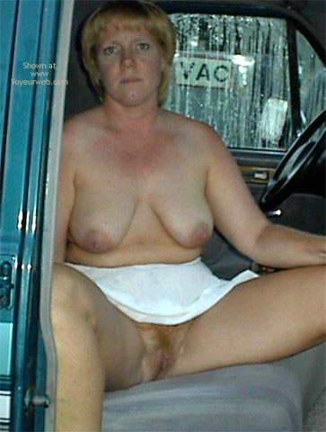 Pic #9 - Rhonda At The Car Wash