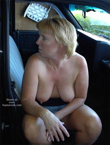 Pic #10 - Rhonda Flashing In The Car