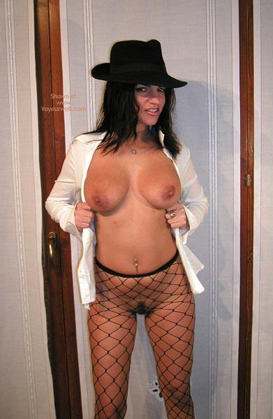 Pic #4 - Vanessa : The Hat