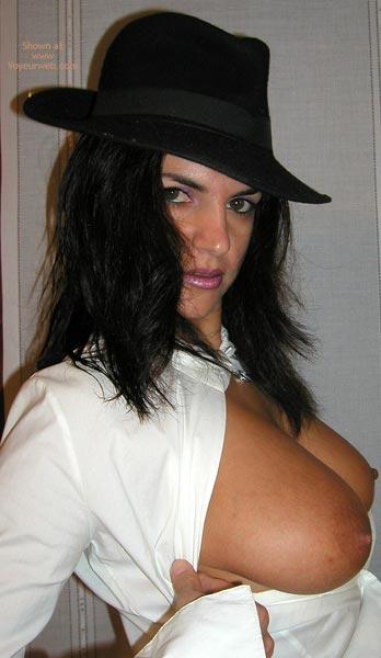 Pic #5 - Vanessa : The Hat