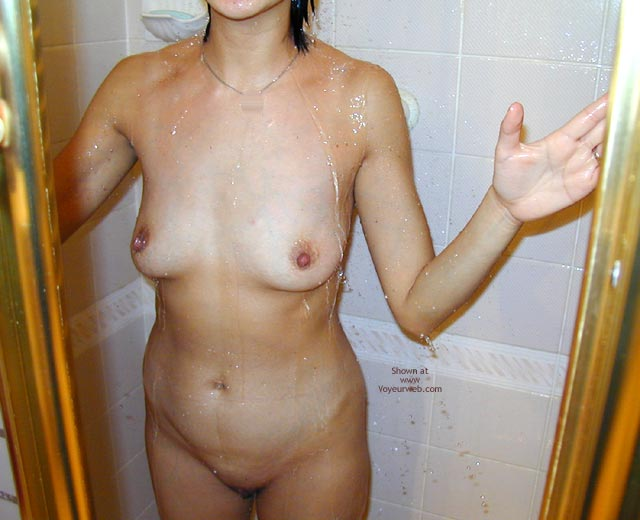 Pic #1 - Asian Wife Doesn'T Have A Clue