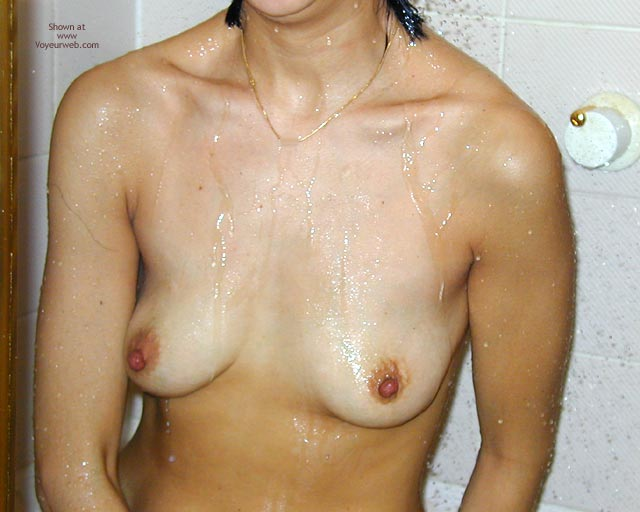 Pic #3 - Asian Wife Doesn'T Have A Clue