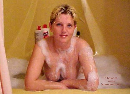 Pic #3 - Canadian Maid in tub #3
